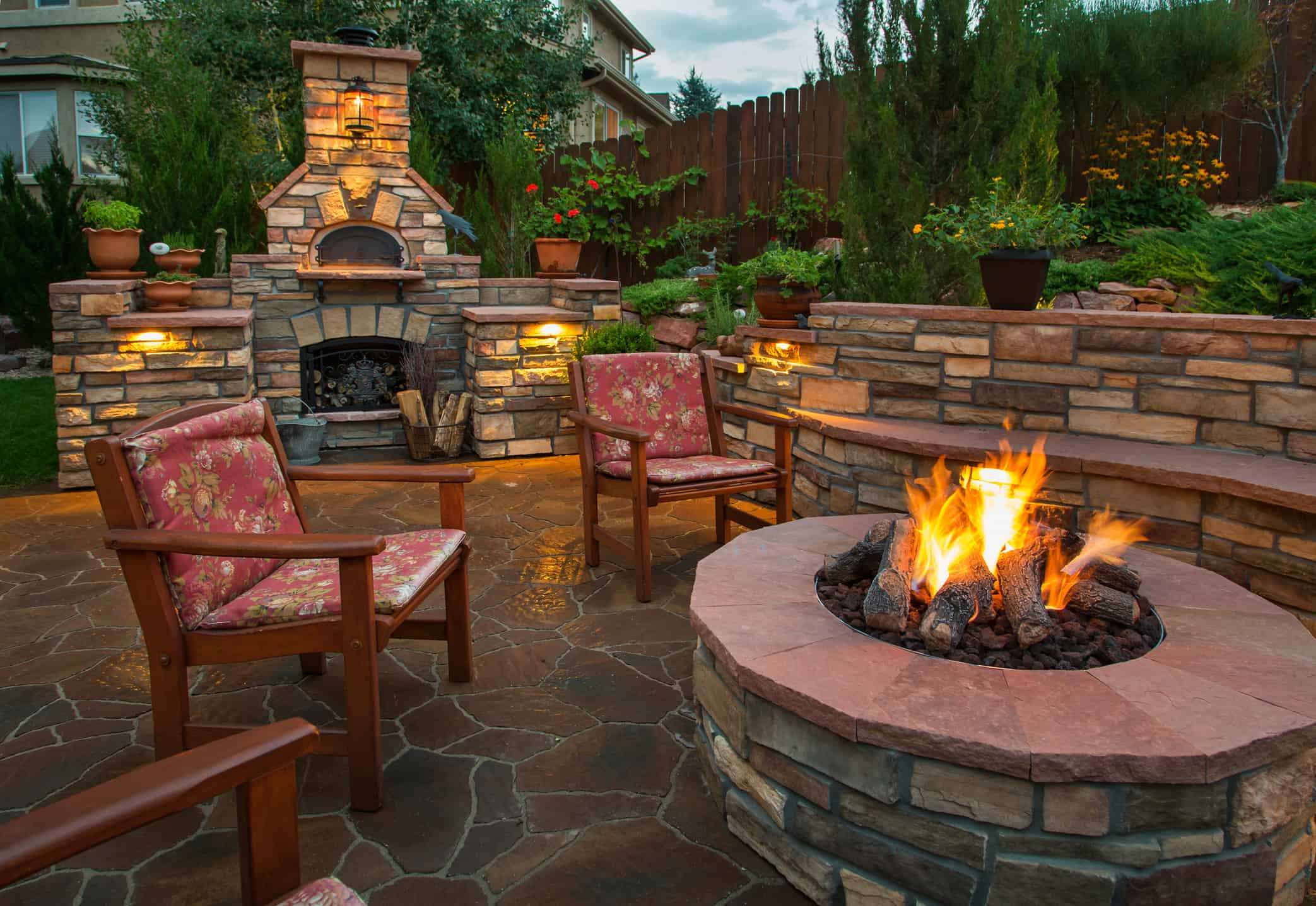 eugene landscaping contractor backyard kitchen & firepit